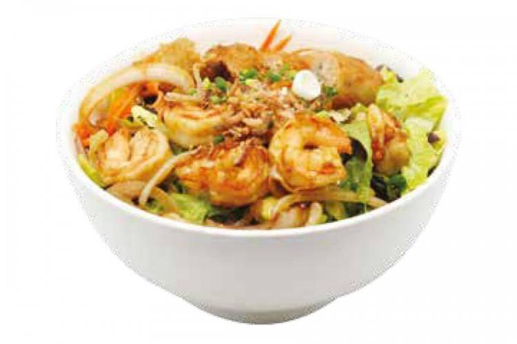 Crevettes sautées, vermicelle, salade et nêms