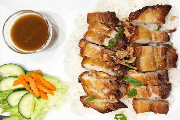 Porc laqué accompagnement avec riz blanc